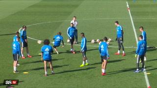 Discusión en el rondo del Real Madrid acaba en pelotazo de Modric