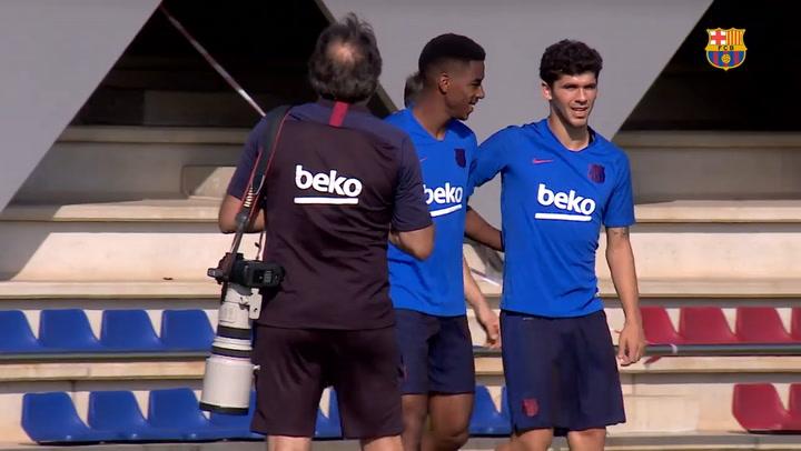 Último entrenamiento del Barça antes de partir a la gira americana
