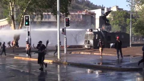 Incidentes en el centro de Santiago de Chile tras aprobación de cambio de Constitución