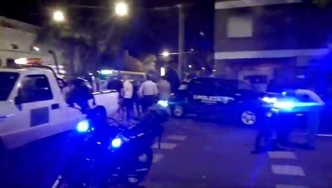 Dos delincuentes que robaron una moto se enfrentaron con la policía y fueron detenidos
