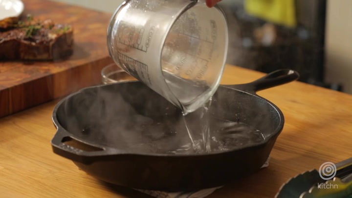 How to Wash a Cast Iron Pan