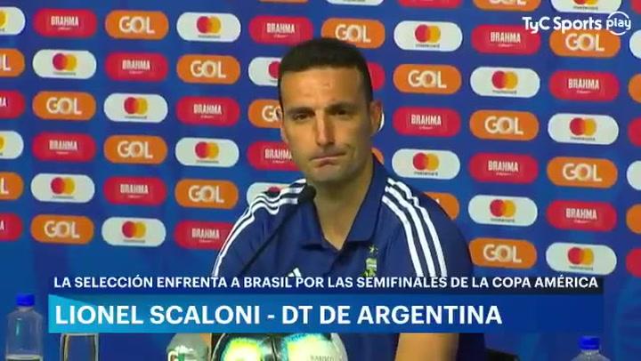 Scaloni solo confirmó al Kun Agüero como titular
