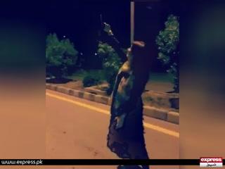 پشاور میں خاتون نے فائرنگ کرتے ہوئے اپنی ویڈیو بنا کر وائرل کردی