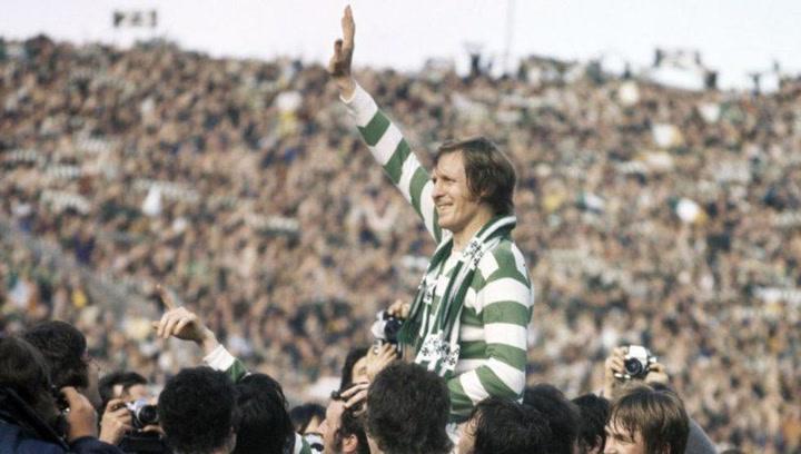 Billy McNeill levanta la Copa de Europa con el Celtic en 1967