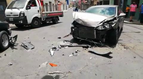 Dos heridos deja accidente en la quinta avenida de Comayagüela