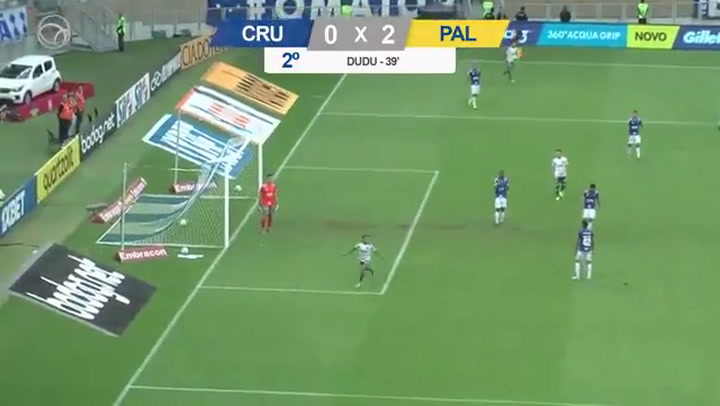 El histórico Cruzeiro desciende por vez primera