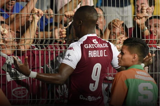 ¡Rubilio Castillo anota su segundo gol en Costa Rica con el Saprissa!