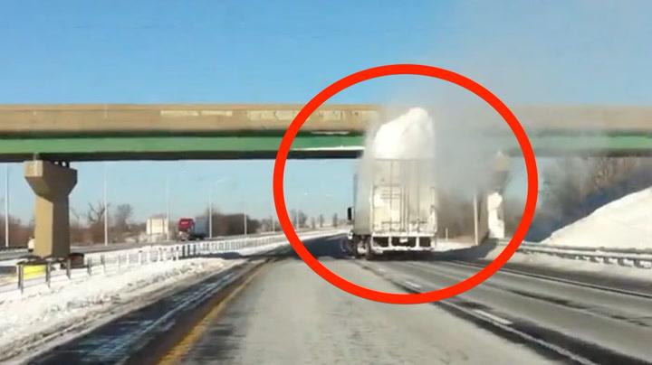 Sjåfør kjørte med en meter snø på taket - så kom han til brua