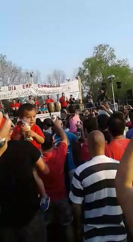 Empleados de comercio bailaron y festejaron al ritmo de Mario Pereyra