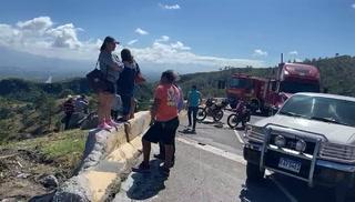 Accidente de tránsito en kilómetro 92 de cuesta La Virgen