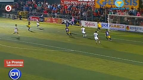 Alajuelense gana con goles hondureños al Guadalupe FC