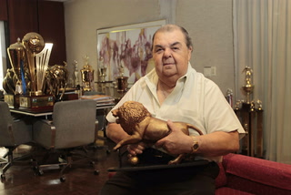 Rafael Ferrari, presidente de Olimpia, fallece en pleno vuelo