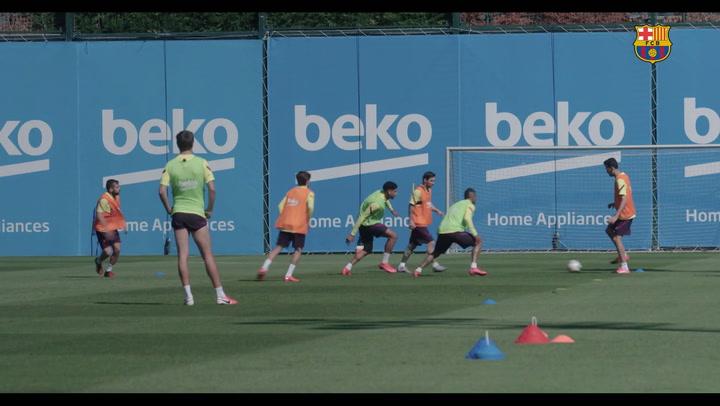 Nuevo entrenamiento del Barça en grupos