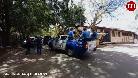 Policía Nacional rinde homenaje a dos agentes asesinados en la capital