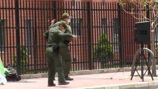 Policías hacen Zumba para aliviar el confinamiento en Colombia