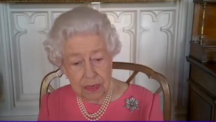 La reina Isabel habla sobre la vacuna