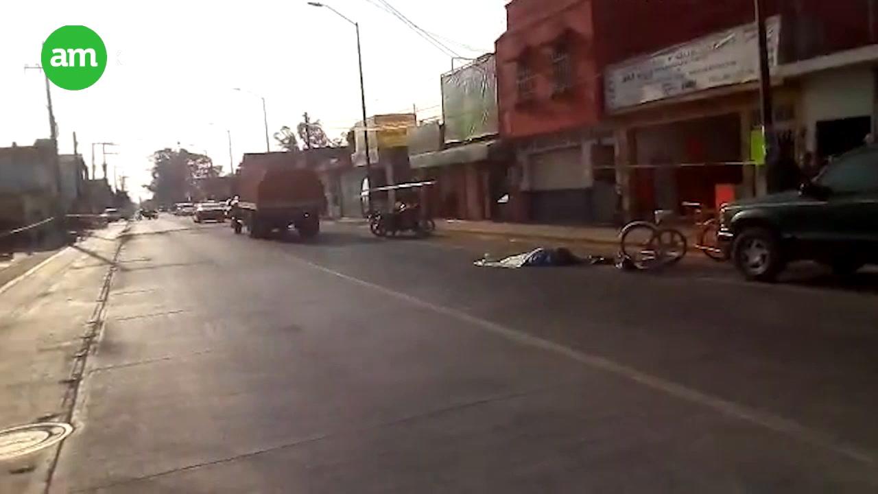 Camión aplasta a hombre
