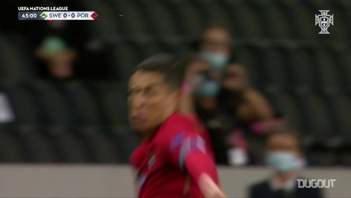كريستيانو رونالدو يسجل هدفه رقم ١٠٠ مع المنتخب البرتغالي