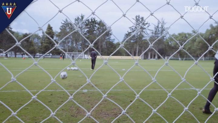 Liga de Quito's goalkeepers training