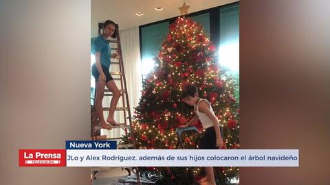 Jennifer Lopez Alex Rodríguez, además de sus hijos Emme y Max colocaron el árbol navideño