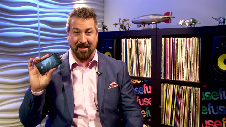 Joey Fatone Gives The No. 1 Lighting Tip For The Perfect Pic
