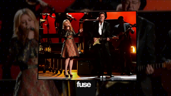 Kelly Clarkson On Singing With Vince GIll At CMAs & Chapter 1
