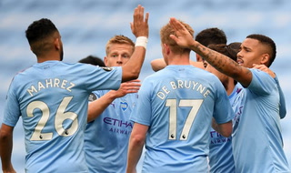 Escandalosa paliza del Manchester City en la liga inglesa, Raheem Sterling gran figura