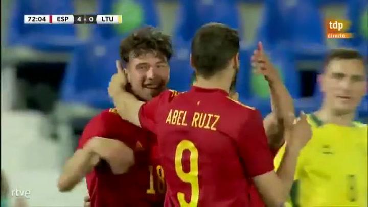 Puado cierra la goleada de España ante Lituania