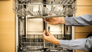 4 Things You Must Do to Maintain Your Dishwasher