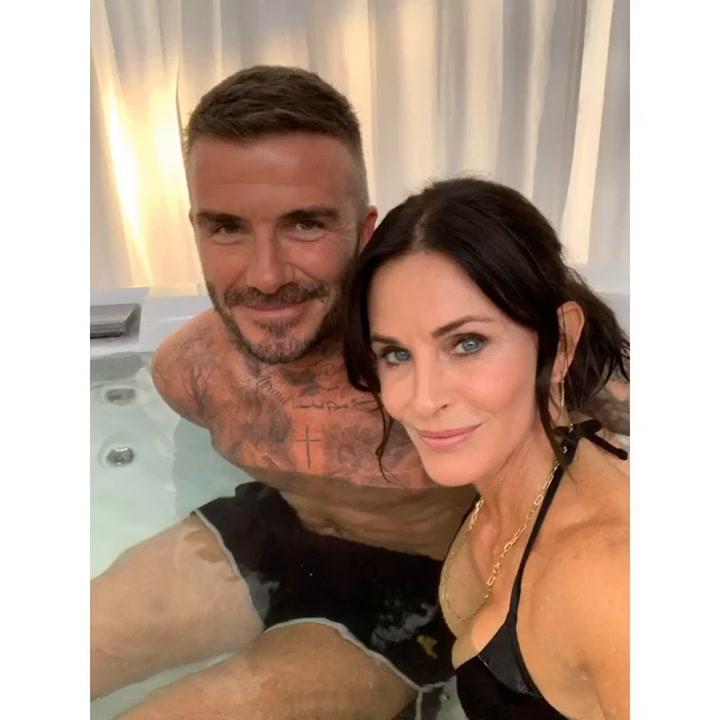 Courtney Cox muestra imágenes del rodaje de Modern Family junto a David Beckham