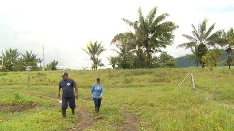 Ángela, de dirigir en la guerra a desminar la paz en Colombia