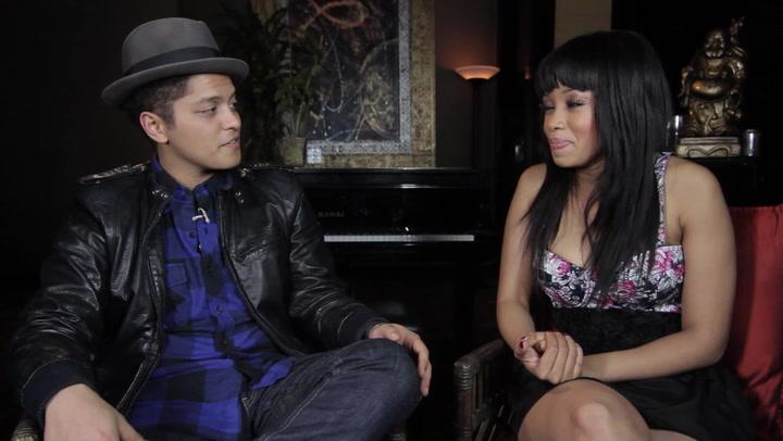 Music Revolution: Bruno Mars / Far East Movement