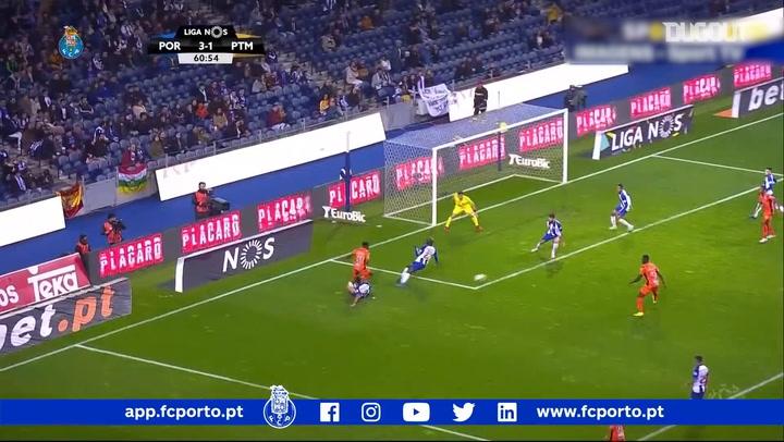 FC Porto's Iker Casillas denies Portimonense