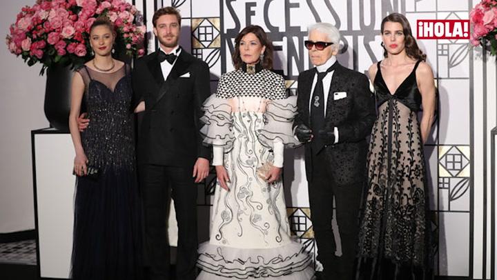En video: Coches de época, vestidos vintage, cientos de invitados... Lo que todavía no has visto del Baile de la Rosa