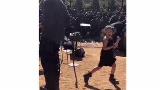 Kjendisdatterens dans går viralt: - Utrolig sjarmerende!