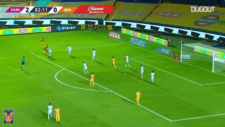 El gol de taco de Nicolás López ante Querétaro