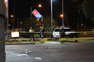 2 men stabbed in central Las Vegas