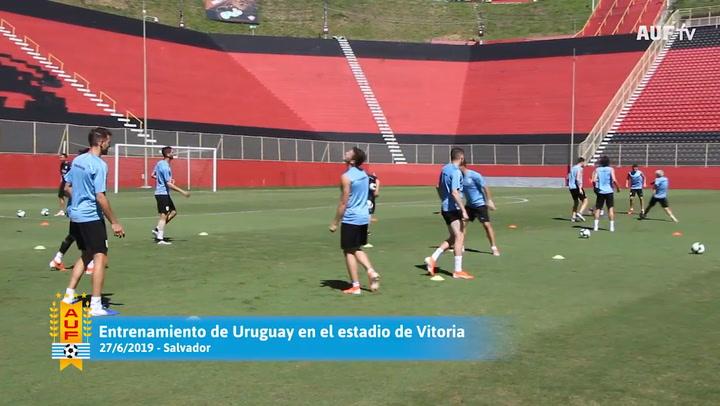 La selección uruguaya entrenó en el estadio de Vitoria a dos días de jugar ante Perú por cuartos de final de la Copa América.