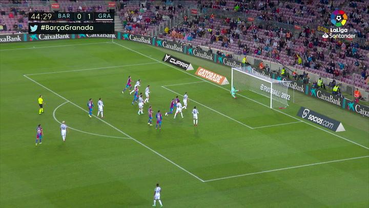 Araujo castigó al Granada por arriba... y al tercer cabezazo llegó el gol