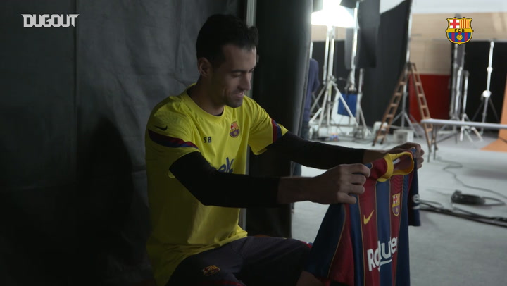 FC Barcelona players wear 2020-21 home kit for the first time