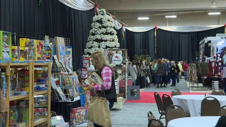 Columbia Holiday Festival attracts local vendors and shoppers
