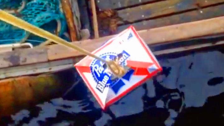 Fiskerens tabbe kostet ham en kasse med øl