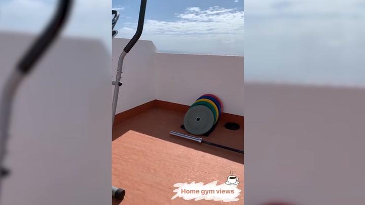 El atleta Samuel García disfruta de su 'gimnasio' en la azotea