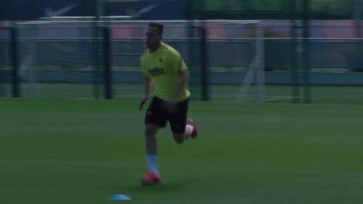Arthur Melo sigue entrenando fuerte para asegurar su continuidad en el Barça
