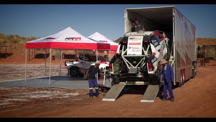Así fue el primer día de Alonso con el Toyota del Dakar