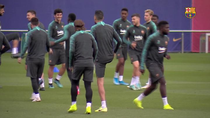 Último entrenamiento del Barça antes de partir a Praga