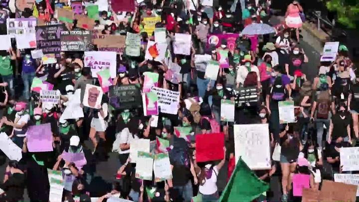 Miles de salvadoreñas piden la despenalización del aborto
