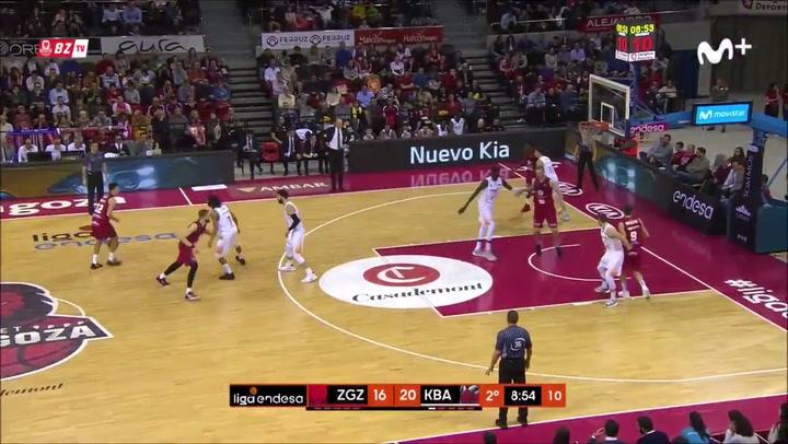Nico Brussino amplía su contrato con Casademont Zaragoza