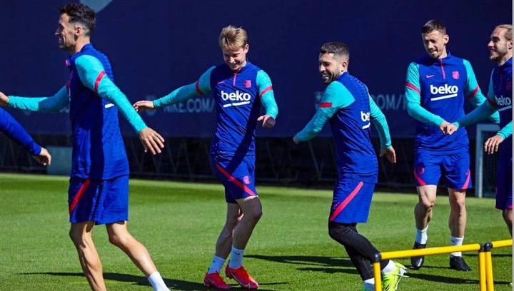 El Barça regresó a los entrenamientos tras su victoria ante el Huesca