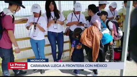 Caravana llega a frontera con México